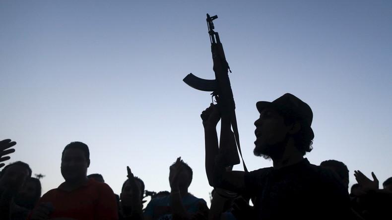 9 octobre 2015 : des gens manifestent contre les candidats au Gouvernement d'union nationale proposés par l'envoyé de l'ONU en Libye, Bernardino Leon