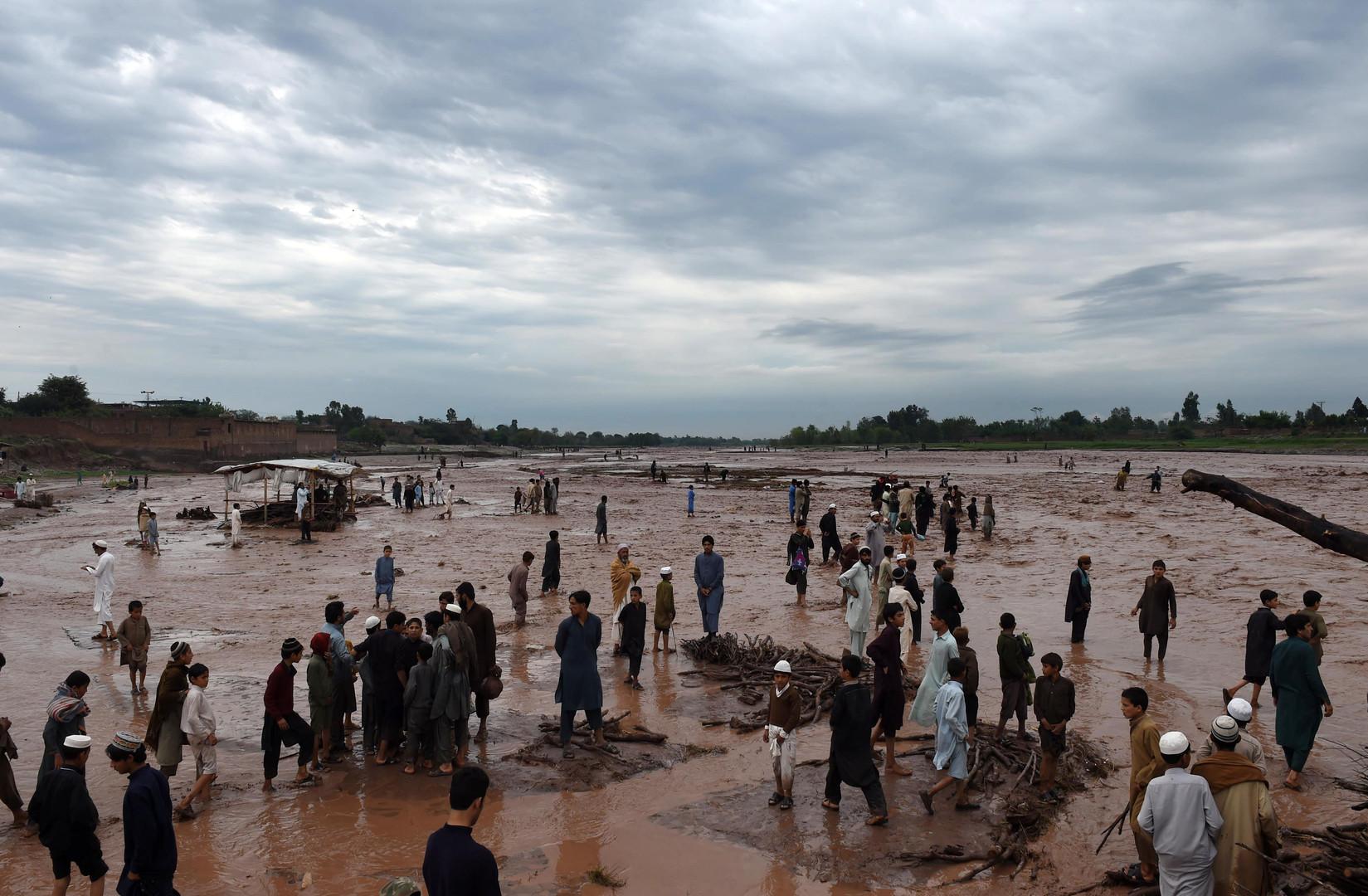 Des pluies torrentielles causent la mort d'une cinquantaine de personnes au Pakistan (VIDEO)