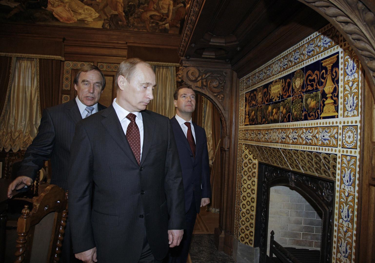 Sergueï Roldouguine, Vladimir Poutine, Dmitri Medvedev
