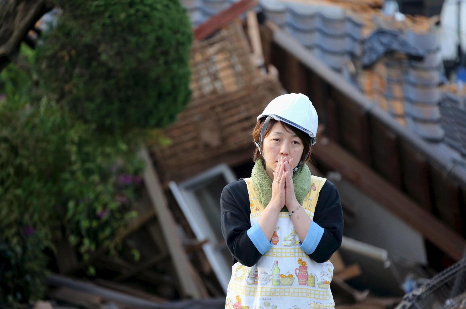 Japon : plus de 400 répliques sismiques en trois jours, les sauveteurs travaillent à mains nues