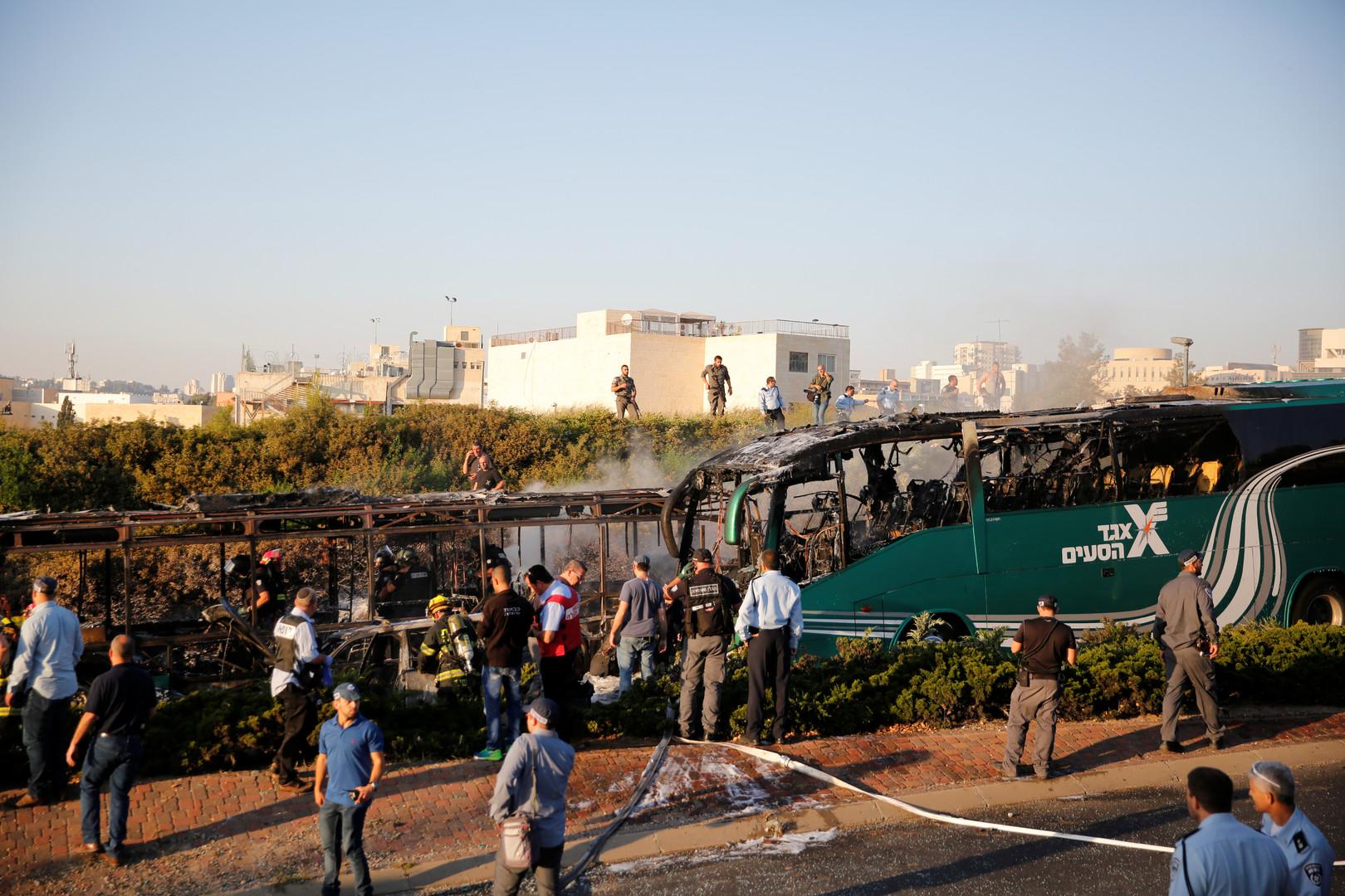 Attentat à la bombe dans un bus à Jérusalem: la tension monte d'un cran en Israël
