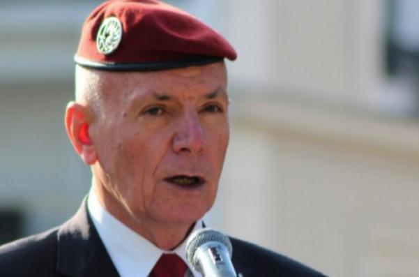 Le général Piquemal en uniforme.