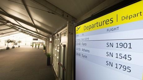 Si le hall de l'aéroport restait relativement vide, la reprise est néanmoins symbolique