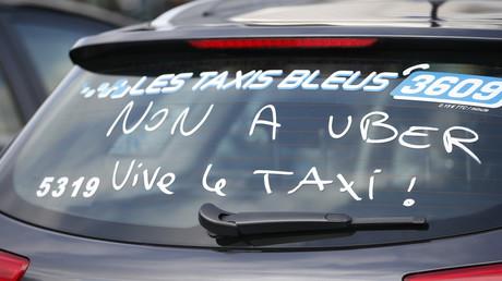 Toulouse : des taxis bloquent la ville pour protester contre les VTC