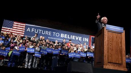 Bernie Sanders s'exprime devant ses supporteurs