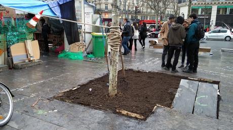 Capture d'écran Twitter du jardin potager installé place de la République à Paris