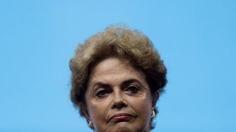Brésil : une commission parlementaire recommande la destitution de Dilma Rousseff