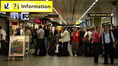 L'aéroport d'Amsterdam évacué pour des raisons de sécurité, une personne arrêtée