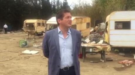 Le maire d'une commune du Var se félicite du démantellement d'un camp de roms dans une vidéo