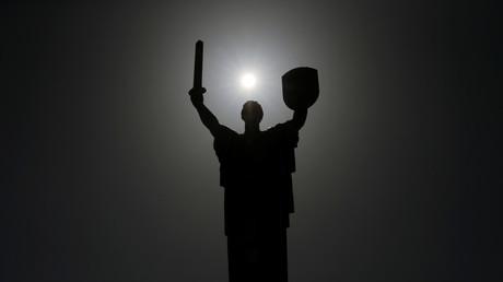 La Statue de la Mère-Patrie faisant partie du Musée de la Grande Guerre patriotique de Kiev, en Ukraine