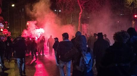 Une nouvelle nuit de protestation a dégénéré dans la capitale