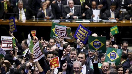 Les députés brésiliens ont voté la destitution de Dilma Rousseff