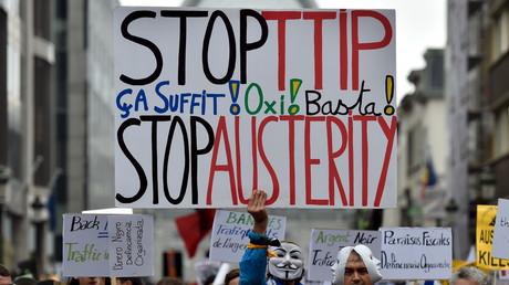 Manifestation contre le marché transatlantique à Paris