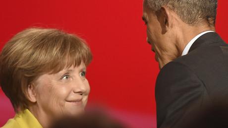 Barack Obama discute avec Angela Merkel à Hanovre