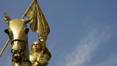 La statue de Jeanne d'Arc à Paris, où pied de laquelle se sont déroulées les célébrations du Front National tous les 1er mai