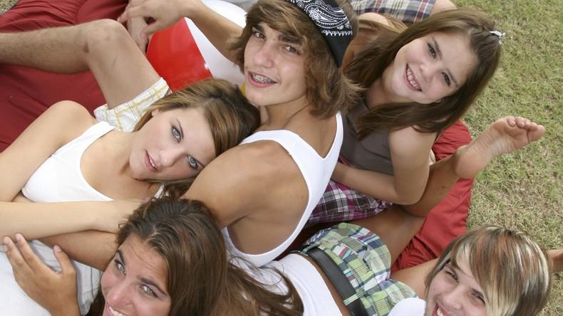 russe étudiants orgie photos de vagins adolescents