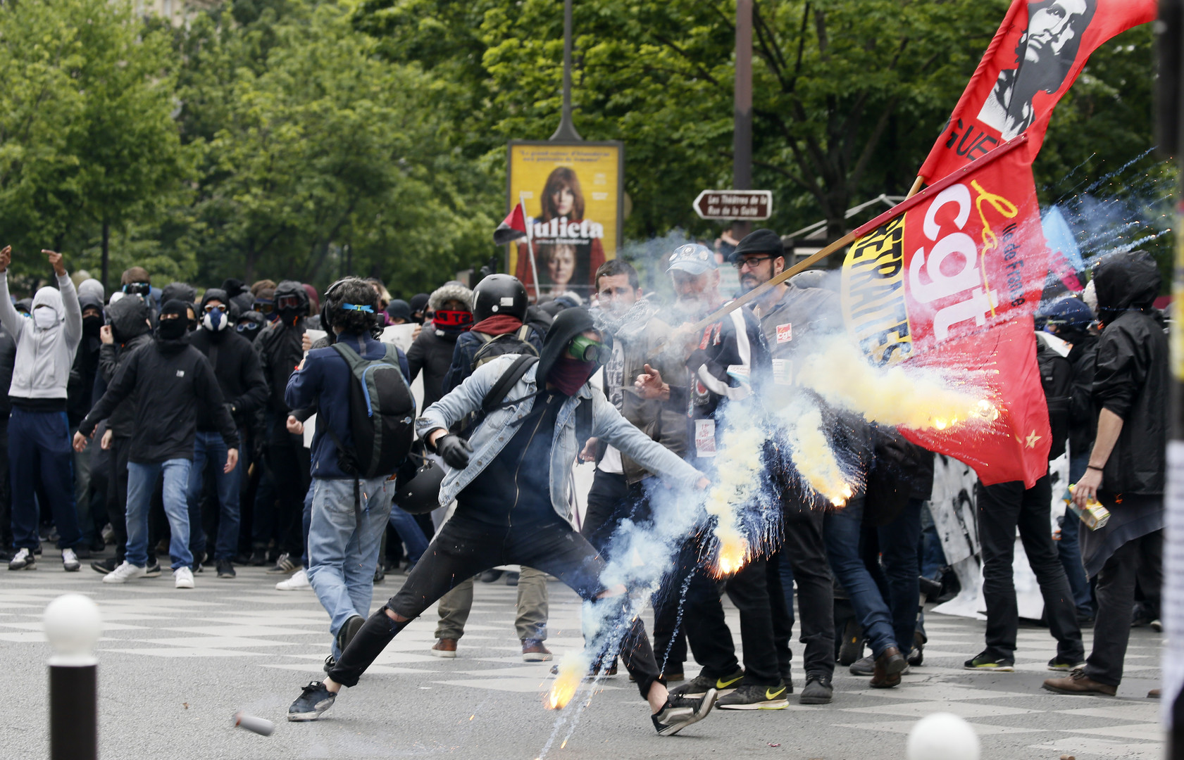 Manifestants ce 17 mai à Paris