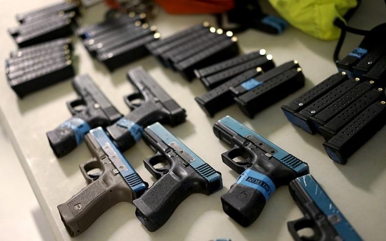 Les ventes d'armes non-létales explosent en Bavière — RT ...