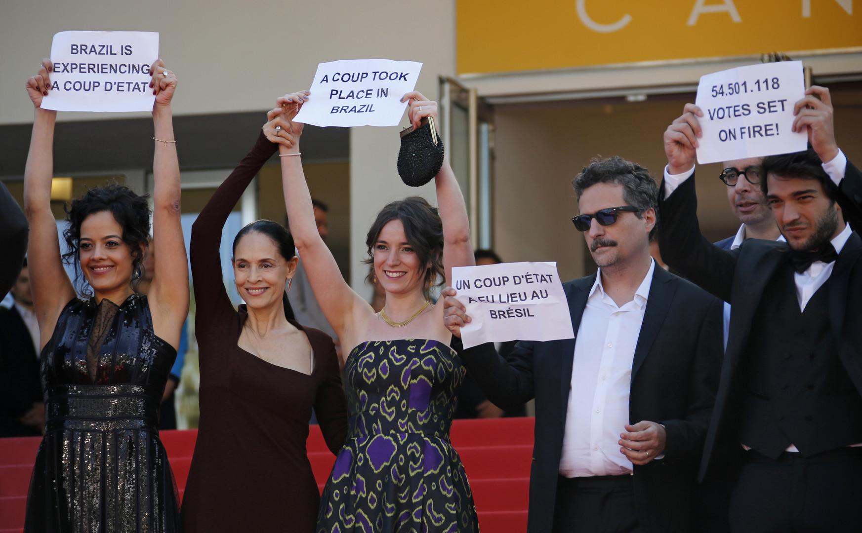 L'équipe du film brésilien «Aquarius» en compétition à Cannes condamne la destitution de la présidente brésilienne Dilma Roussef