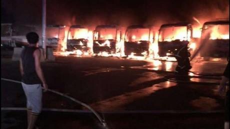 Arabie saoudite : sept bus incendiés par des employés licenciés et non payés (VIDEO)