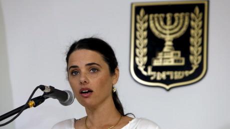 Ayelet Shaked, ministre de la Justice, verrait bien la loi israélienne appliquée en Cisjordanie.