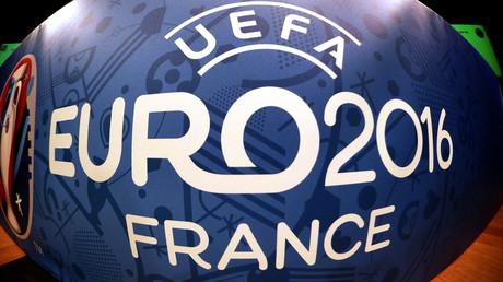 «Hymne» en anglais pour les supporters français de l'Euro : Vallini «consterné»