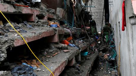 Croix-Rouge : une fillette retrouvée en vie trois jours après l'effondrement d'un immeuble au Kenya