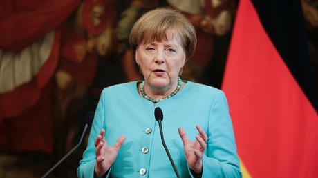 Face à la pression nationaliste, Merkel appelle l'Union européenne à renforcer ses frontières