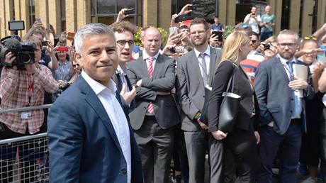 Sadiq Khan après sa cérémonie d'investiture dans la cathédrale Southwark ce 7 mai