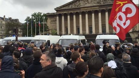 Des affrontements éclatent lors de la manifestation contre la Loi travail à Paris et en province