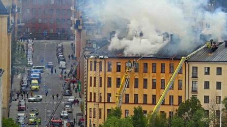 Suède: un violent incendie éclate à quelques kilomètres de l'Eurovision à Stockolm (PHOTOS)