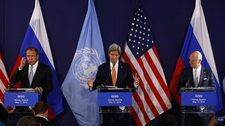 Sergueï Lavrov, John Kerry et Staffan de Mistura