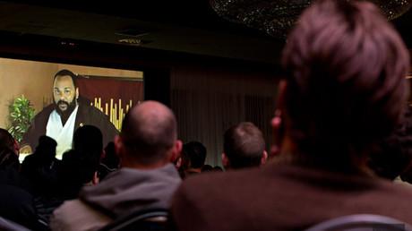 Dieudonné «s'adapte à la censure» et offre un spectacle virtuel aux Québécois