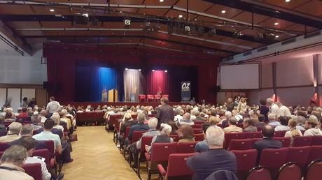La salle principale du palais des congrès a été le théâtre des premières prises de parole de ce «rendez-vous de Béziers»