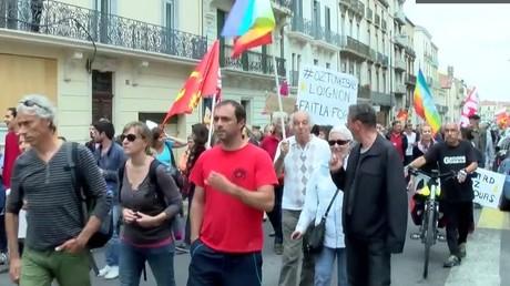 200 manifestants anti-Ménard protestent contre le «rassemblement des droites» à Béziers (VIDEO)