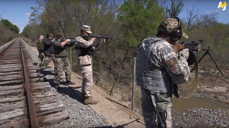 Ces Texans s'exercent à tirer avec des balles au sang de porc pour «envoyer les musulmans en enfer»