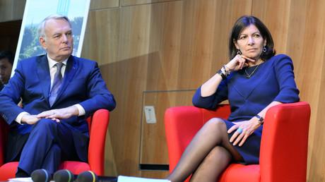 Jean-Marc Ayrault accompagné d'Anne Hidalgo présentent leur plan pour développer le tourisme à Paris