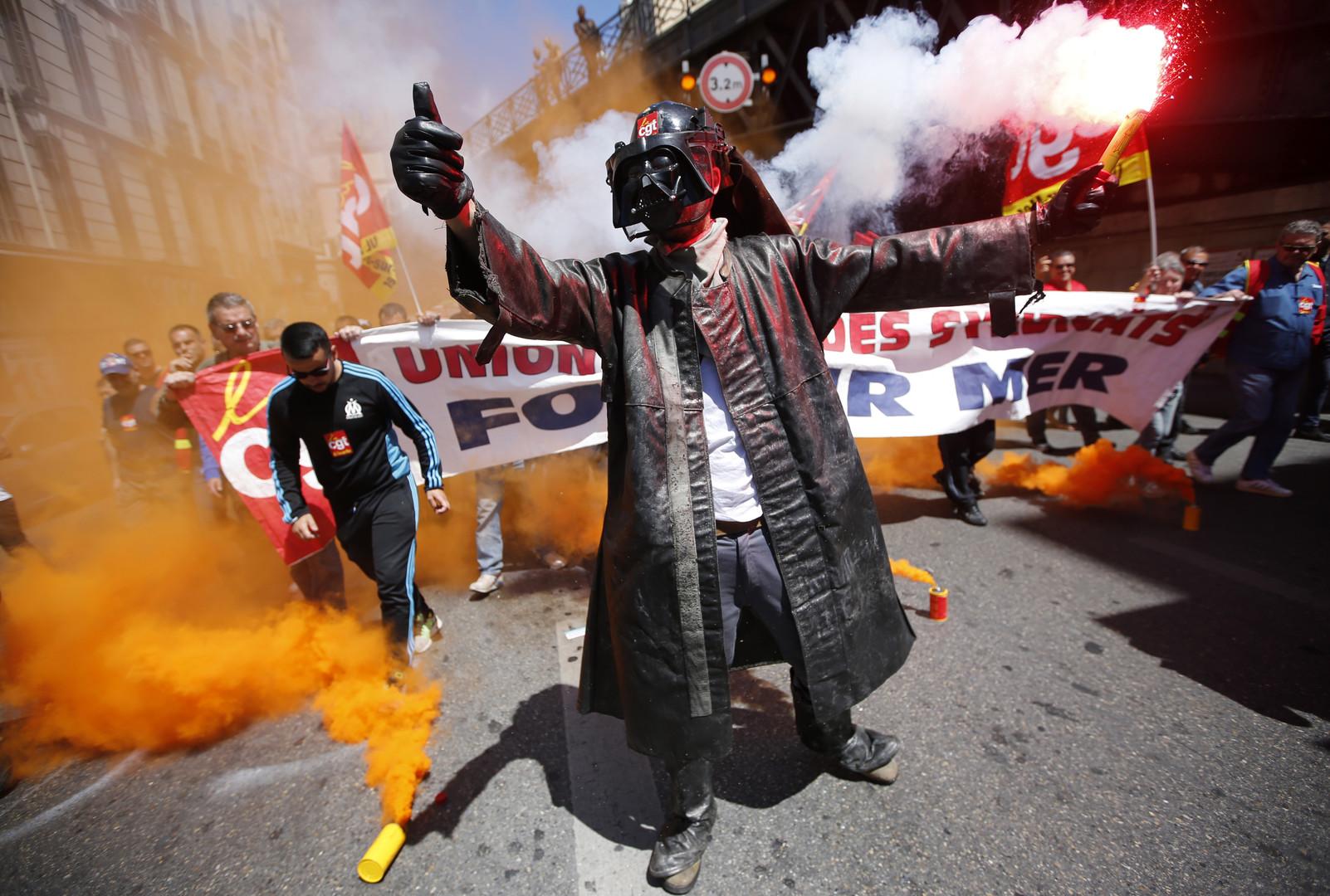 Loi travail : les actions coup de poing se multiplient partout en France (PHOTOS, VIDEOS)
