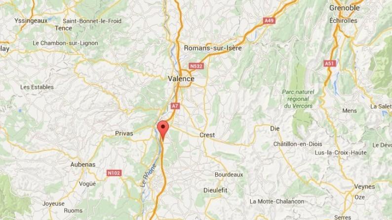 Un car pris cible par un tireur sur l'A7 dans la Drôme : au moins six touristes tchèques blessés