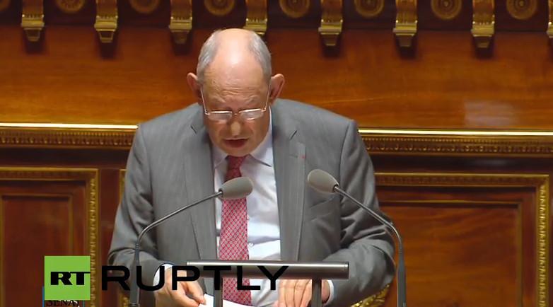 Le Sénat vote à une majorité écrasante la levée progressive des sanctions contre la Russie
