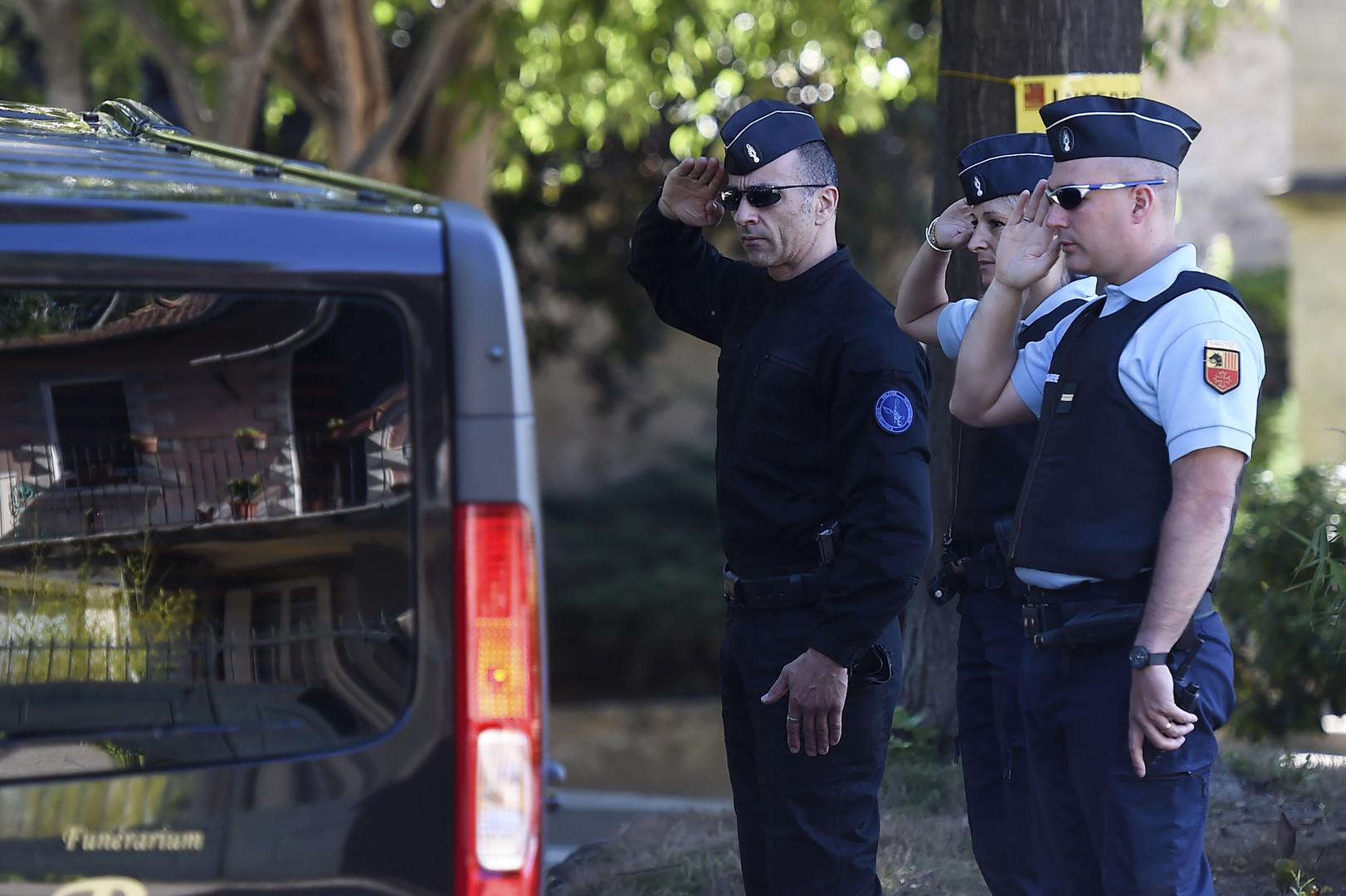 Les deux fonctionnaires de police tués dans les Yvelines inhumés dans l'Hérault (PHOTOS)