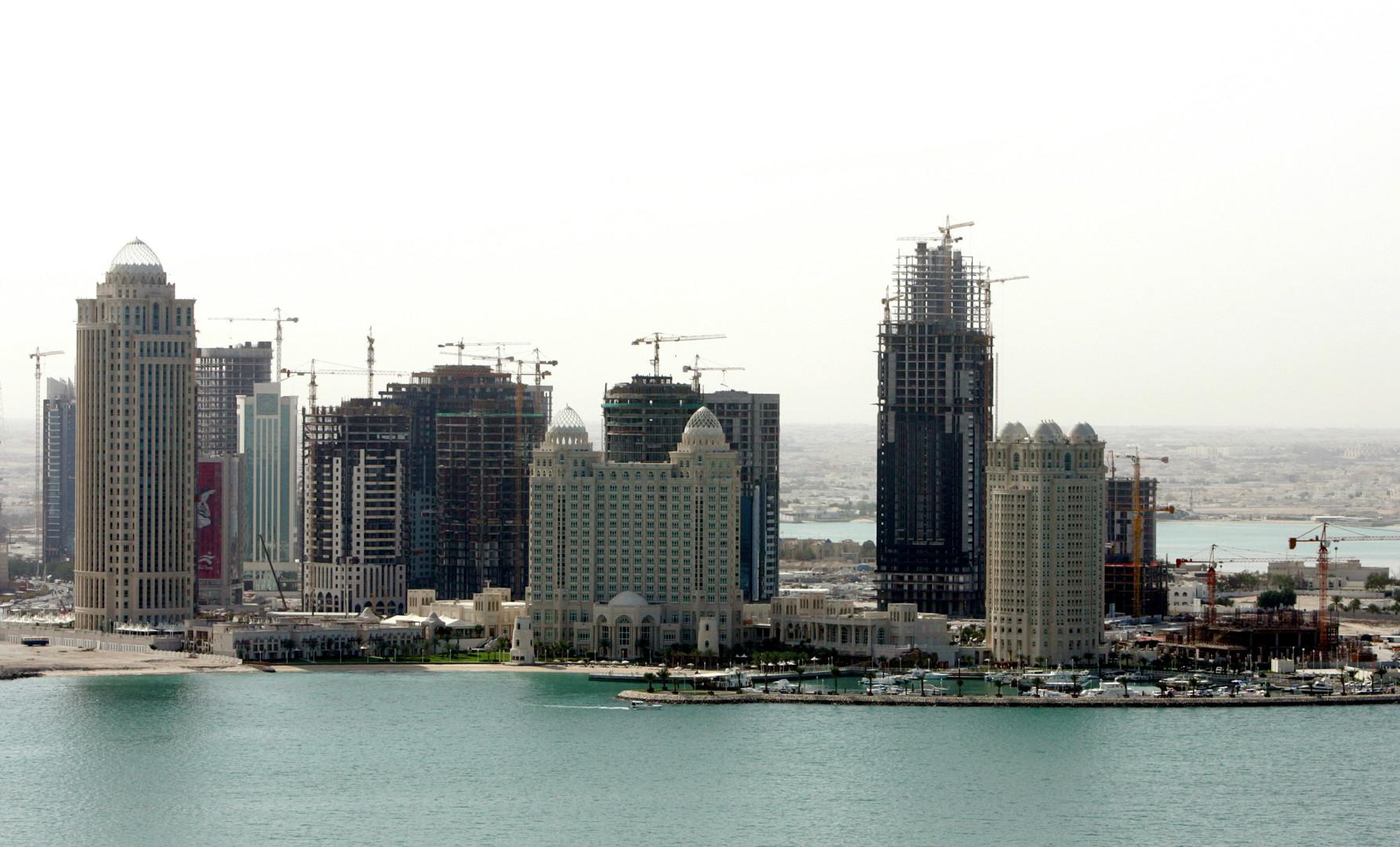 Pour compenser son déficit budgétaire, le Qatar compte mettre en place une taxe sur la valeur ajoutée.