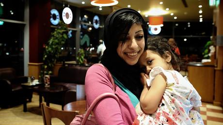 Bahreïn : l'opposante Zainab al-Khawaja officiellement libérée