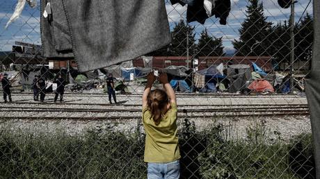 Chef adjoint de la diplomatie grecque : Athènes dépense tout l'argent reçu de l'UE pour les migrants