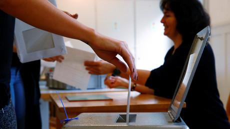 Près de 46% des suisses ont voté ce dimanche lors du référendum