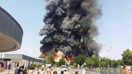 L'incendie est impressionnant mais n'aurait fait aucune victime