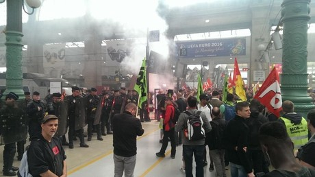 Action du syndicat Sud-Rail à la Gare du Nord
