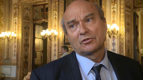 Le sénateur Yves Pozzo di Borgo à la sortie du vote de la résolution du Sénat, le 8 juin 2016.