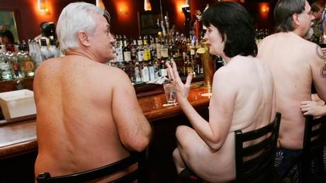 Japon : le premier restaurant nudiste rejette les clients obèses