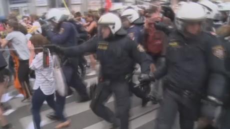 Une manifestation contre les migrants à Vienne se transforme en affrontements